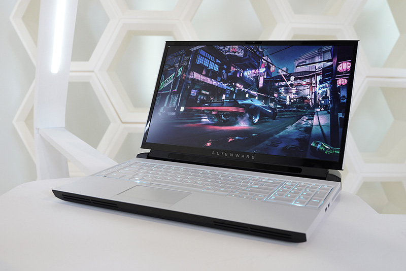 ALIENWARE AREA-51M GAMING LAPTOP