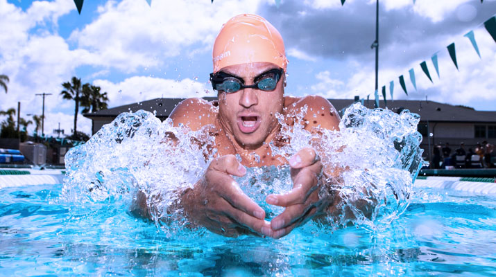 FORM Swim Goggles – Augmented reality swimming